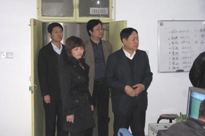 辛集市副市长崔锦玉携同劳动人事局局长
